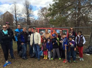 cubs & beavers clean up the park